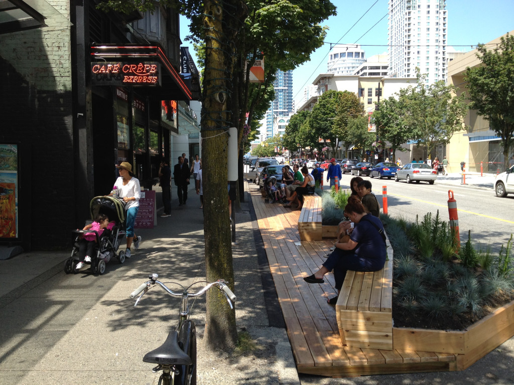 A welcoming space in a parklet in Vancouver, British Columbia. Flickr photo by Paul Krueger. /photos/pwkrueger/7563944478